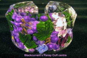 Black Current Pansy Cuff
